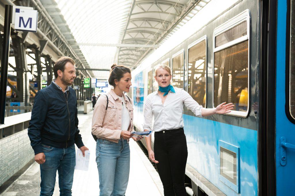 Dineren in rijdende trein