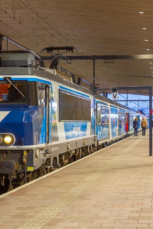 Dinner Train Station Amsterdam